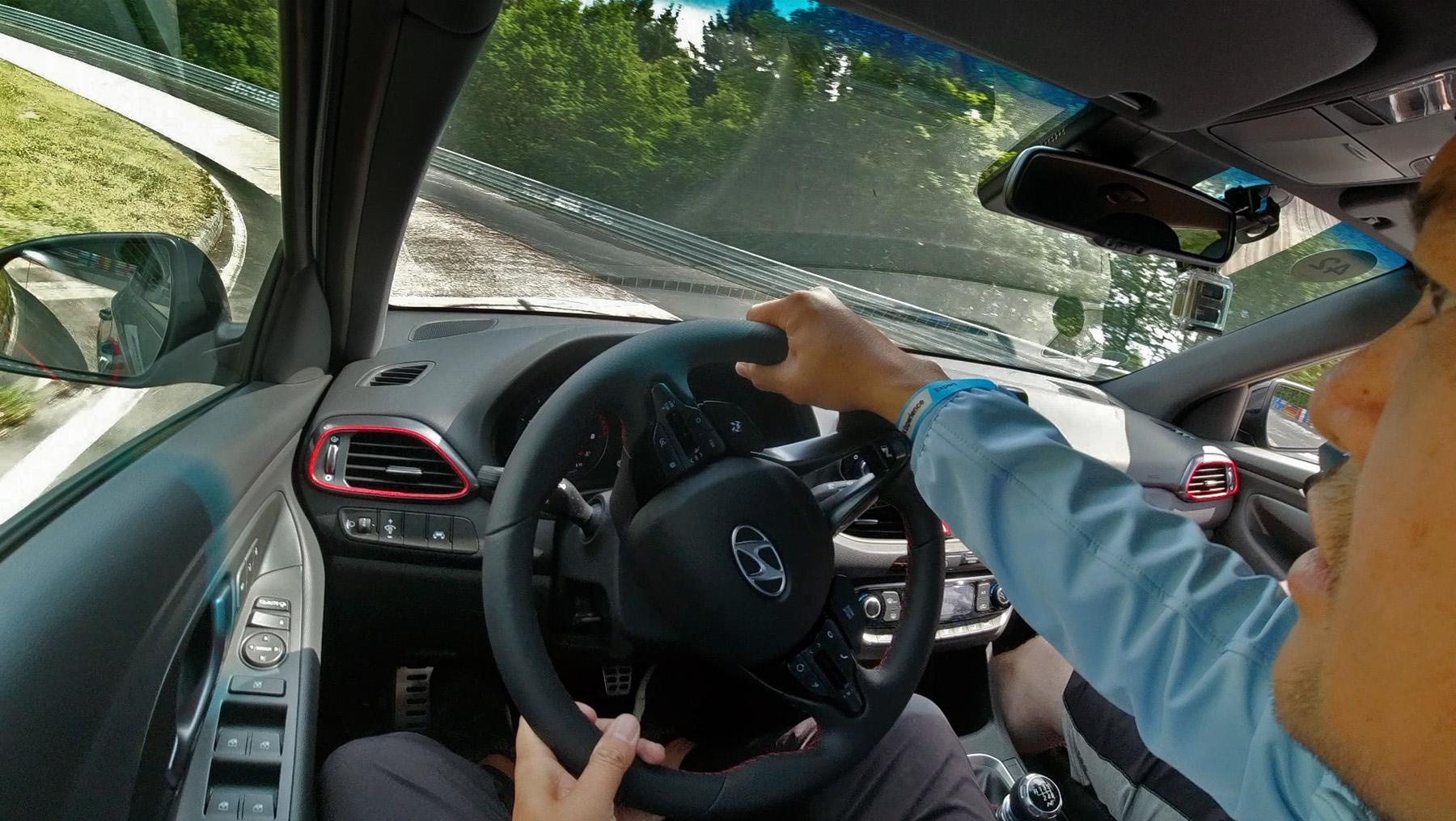 N Corso Antonio Driving Nurburgring Karussell
